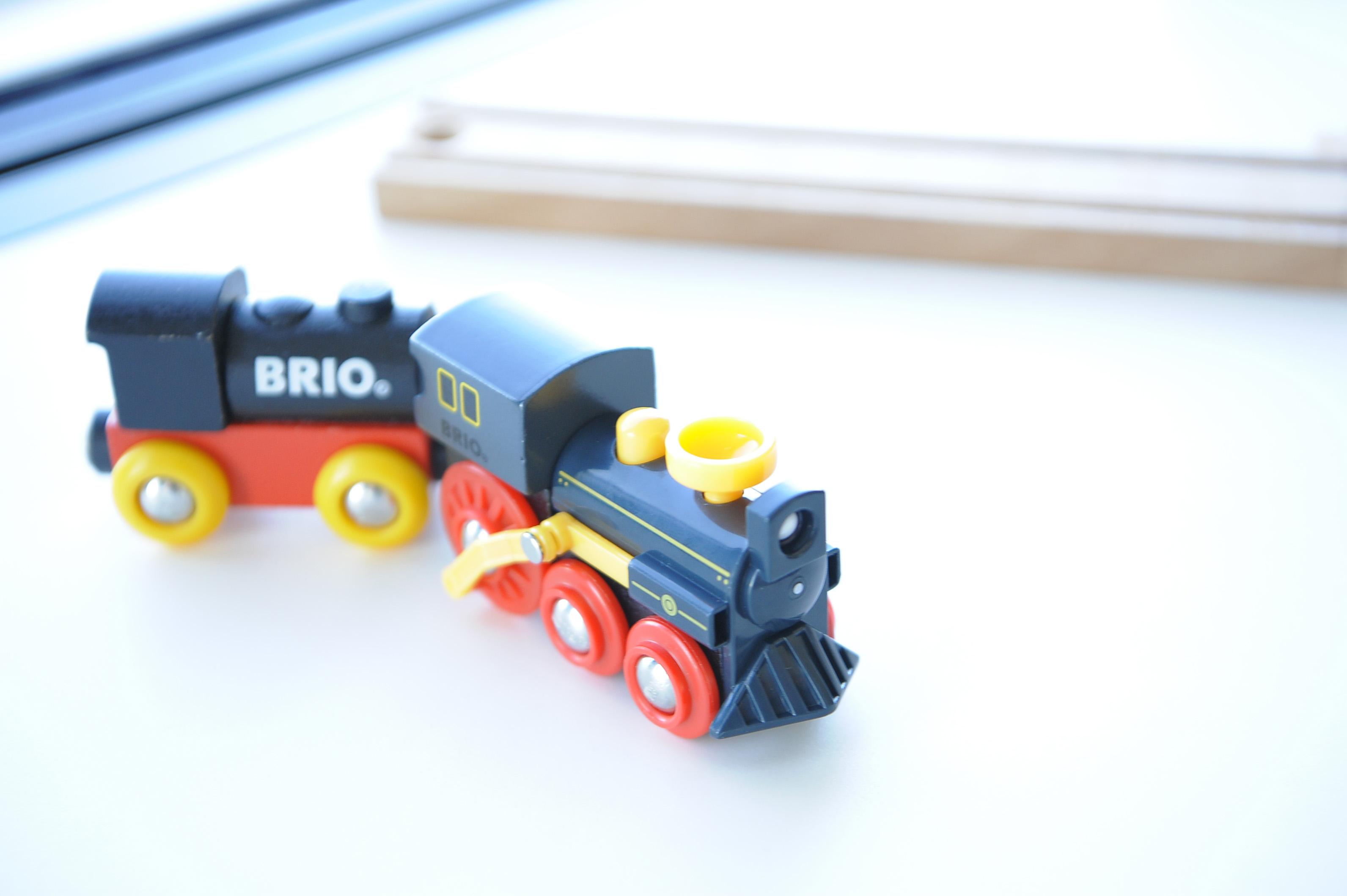 男の子は電車がすき