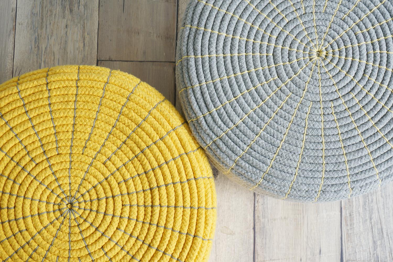 綿100%のコットンロープを中心から巻くように縫い上げたデザインがステキです