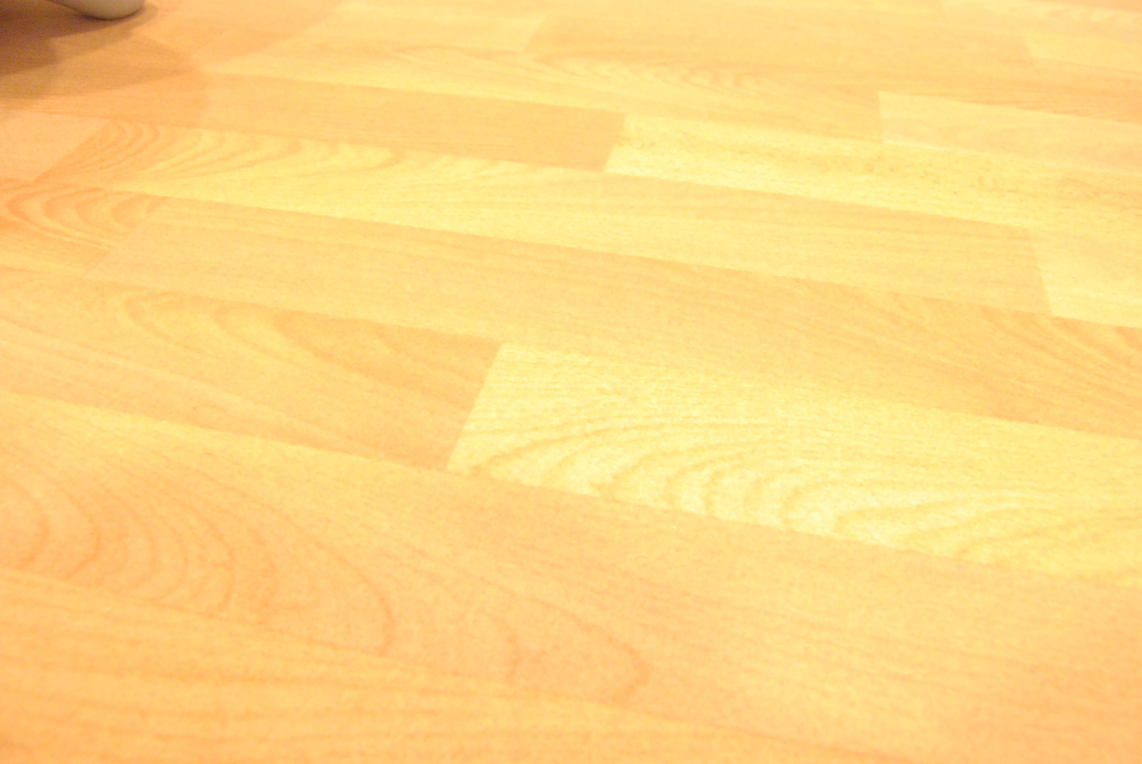 木目調のカーペット