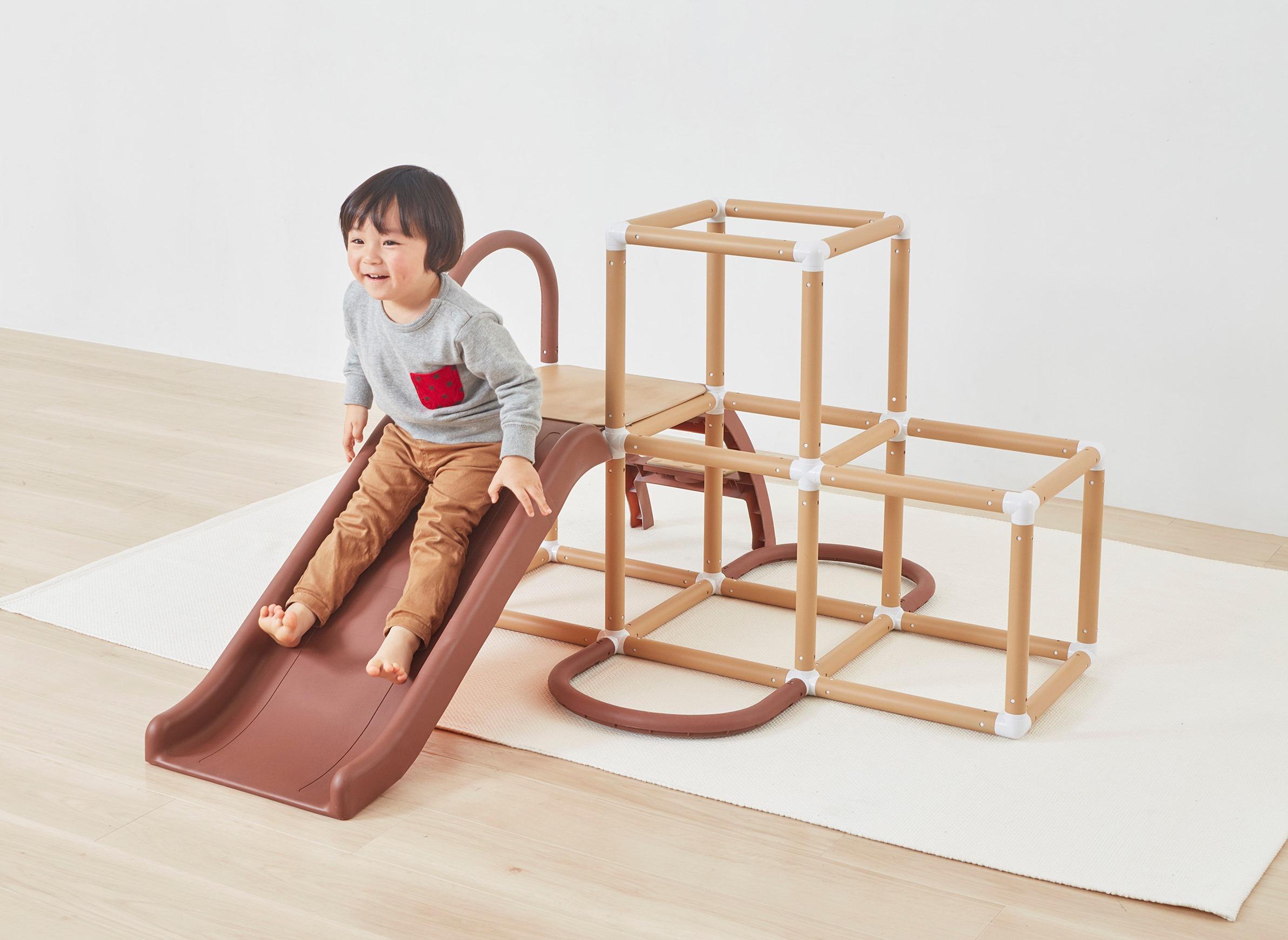 お家で子供と体を動かす!室内使用OKのおもちゃ