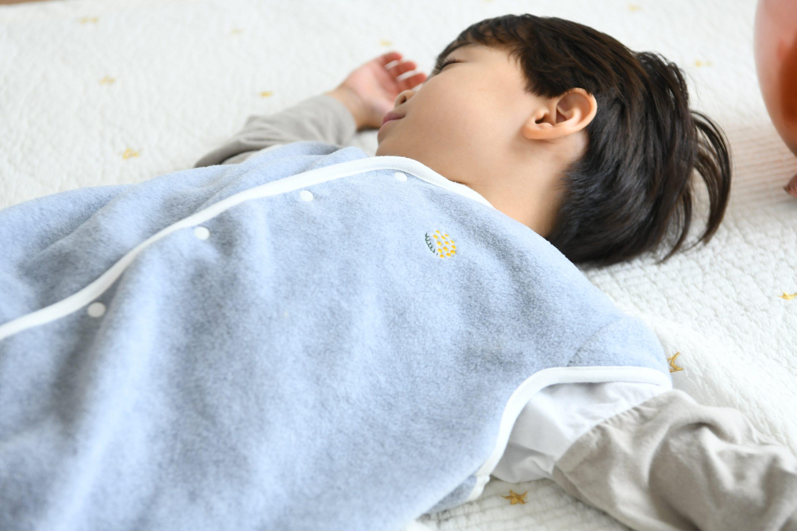 寝冷え防止にかわいいフリーススリーパー